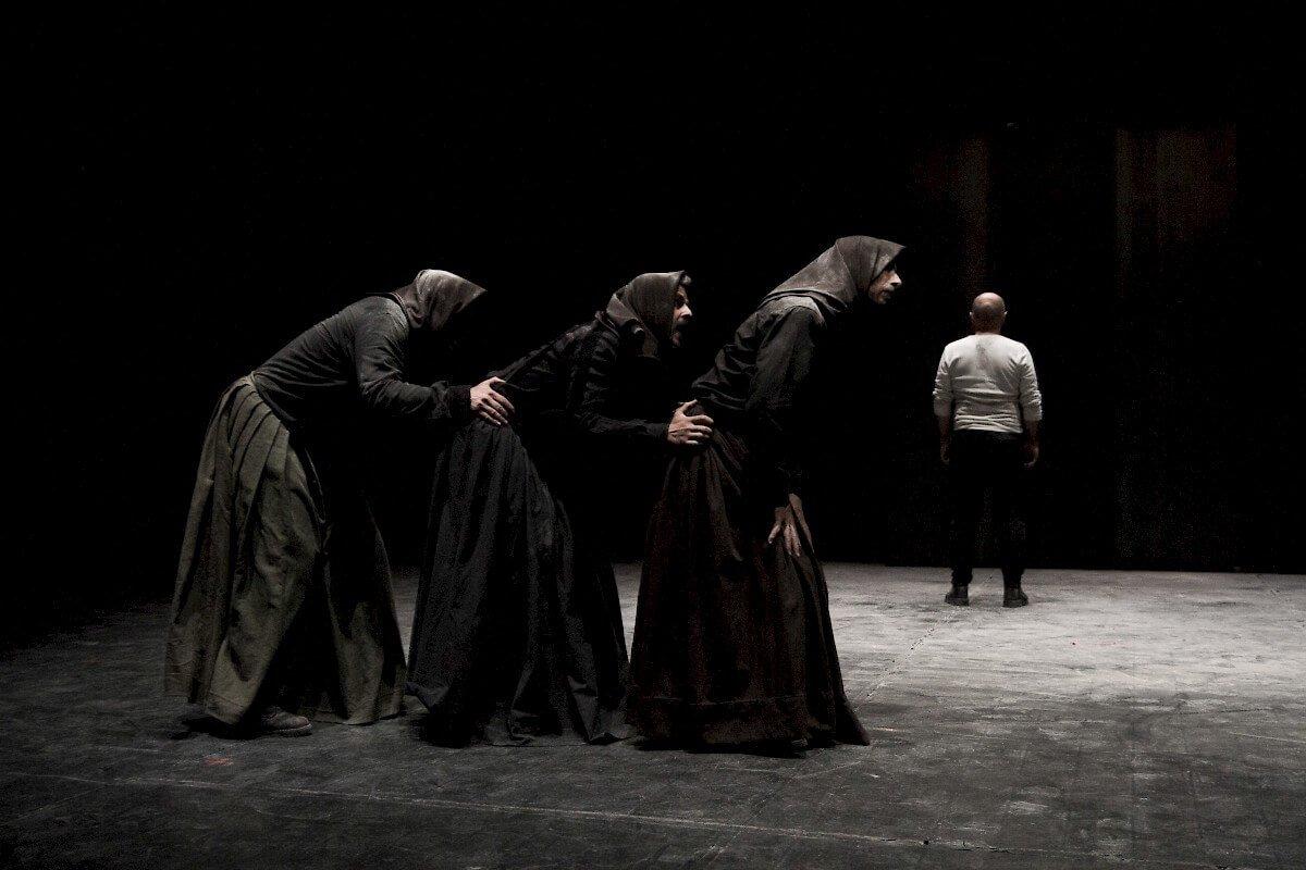Escena de Macbettu, de Alessandro Serra