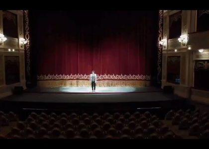 mona jimenez interpreta himno nacional