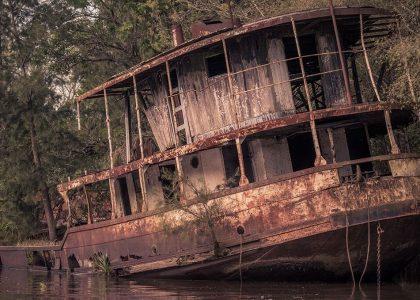 barco en el delta
